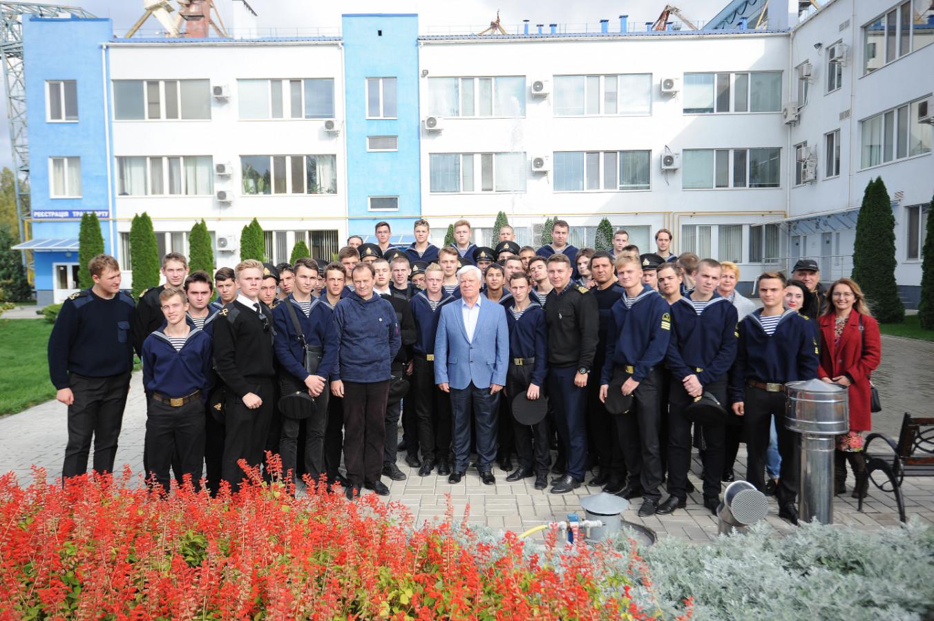 Херсонські курсанти мріють працювати на «НІБУЛОНівських» суднах
